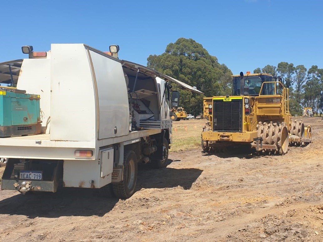 {alt=RAPTOR PLANT HIRE - ANCILLIARY-2, height=776, max_height=776, max_width=1035, src=https://f.hubspotusercontent40.net/hubfs/4532094/RAPTOR%20PLANT%20HIRE%20-%20ANCILLIARY-2.jpg, width=1035}