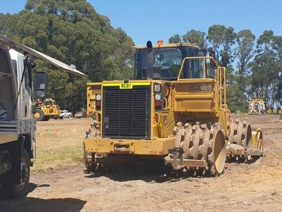 {alt=RAPTOR PLANT HIRE - COMPACTOR SERVICE, height=417, loading=lazy, max_height=417, max_width=554, size_type=auto, src=https://f.hubspotusercontent40.net/hubfs/4532094/RAPTOR%20PLANT%20HIRE%20-%20COMPACTOR%20SERVICE.jpg, width=554}