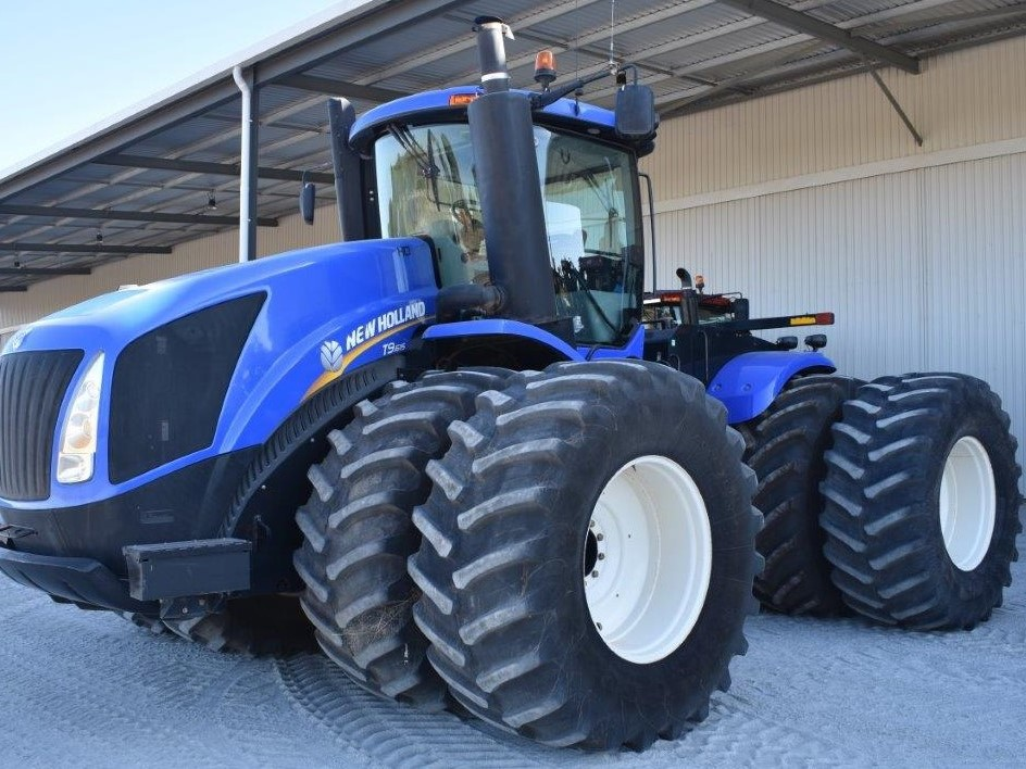 {alt=RAPTOR PLANT HIRE - LARGE TRACTORS 2, height=708, loading=lazy, max_height=708, max_width=944, size_type=auto, src=https://f.hubspotusercontent40.net/hubfs/4532094/RAPTOR%20PLANT%20HIRE%20-%20LARGE%20TRACTORS%202.jpg, width=944}