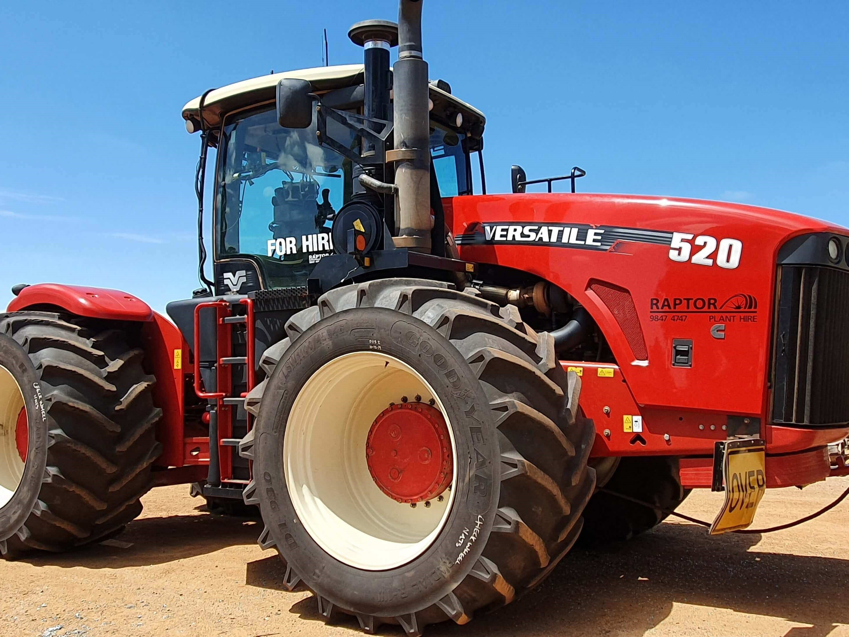 {alt=RAPTOR PLANT HIRE - LARGE TRACTORS-2, height=2182, max_height=2182, max_width=2909, src=https://f.hubspotusercontent40.net/hubfs/4532094/RAPTOR%20PLANT%20HIRE%20-%20LARGE%20TRACTORS-2.jpg, width=2909}
