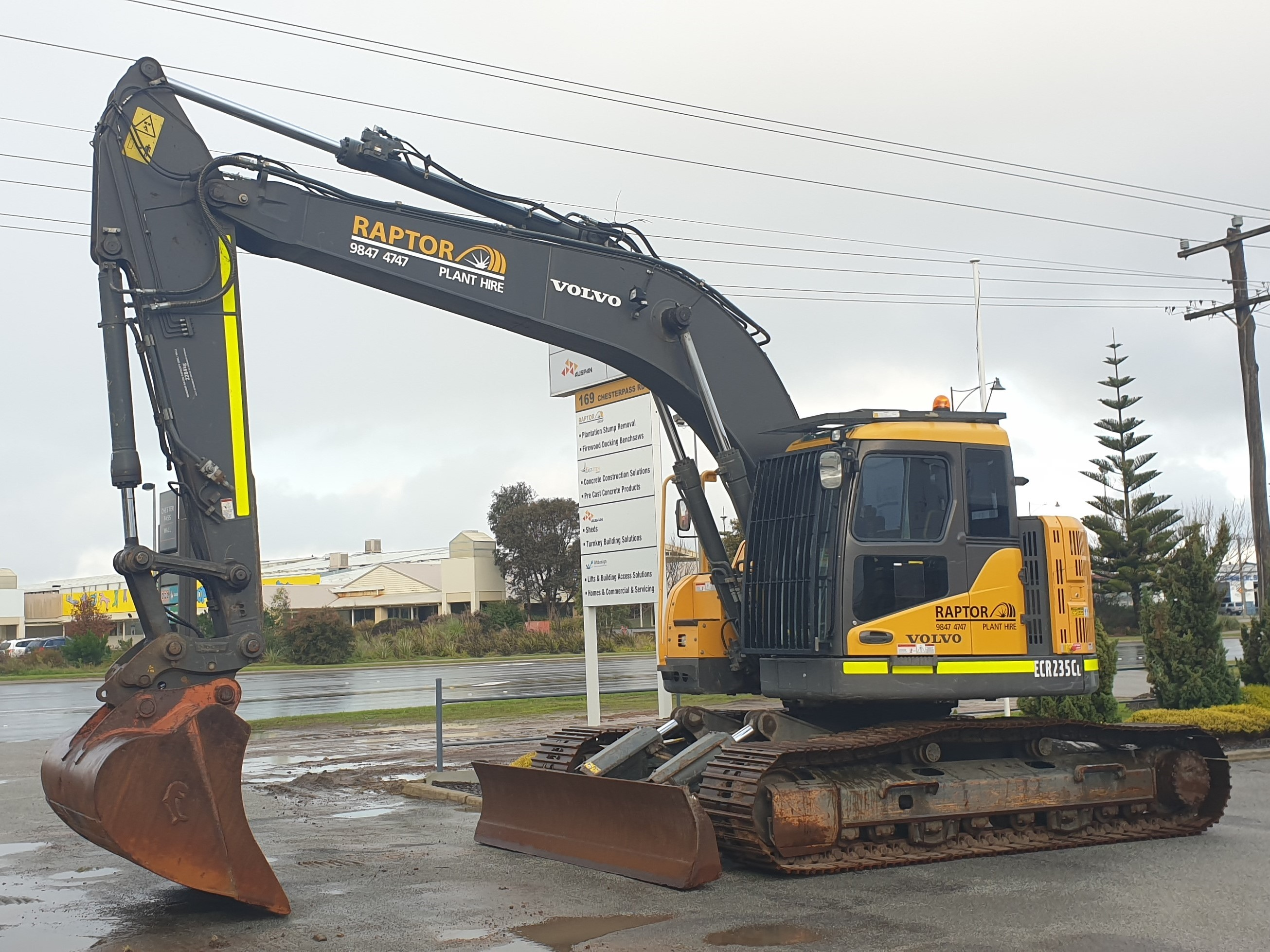 {alt=ZERO SWING 26T EXCAVATOR FOR HIRE-May-26-2021-02-24-51-92-AM, height=1958, max_height=1958, max_width=2611, src=https://f.hubspotusercontent40.net/hubfs/4532094/ZERO%20SWING%2026T%20EXCAVATOR%20FOR%20HIRE-May-26-2021-02-24-51-92-AM.jpg, width=2611}